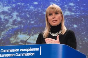 Elzbieta Bienkowska, eurocomisaria de Industria.