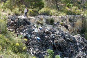 Denuncian un vertedero de desechos de curtidos en Lorca