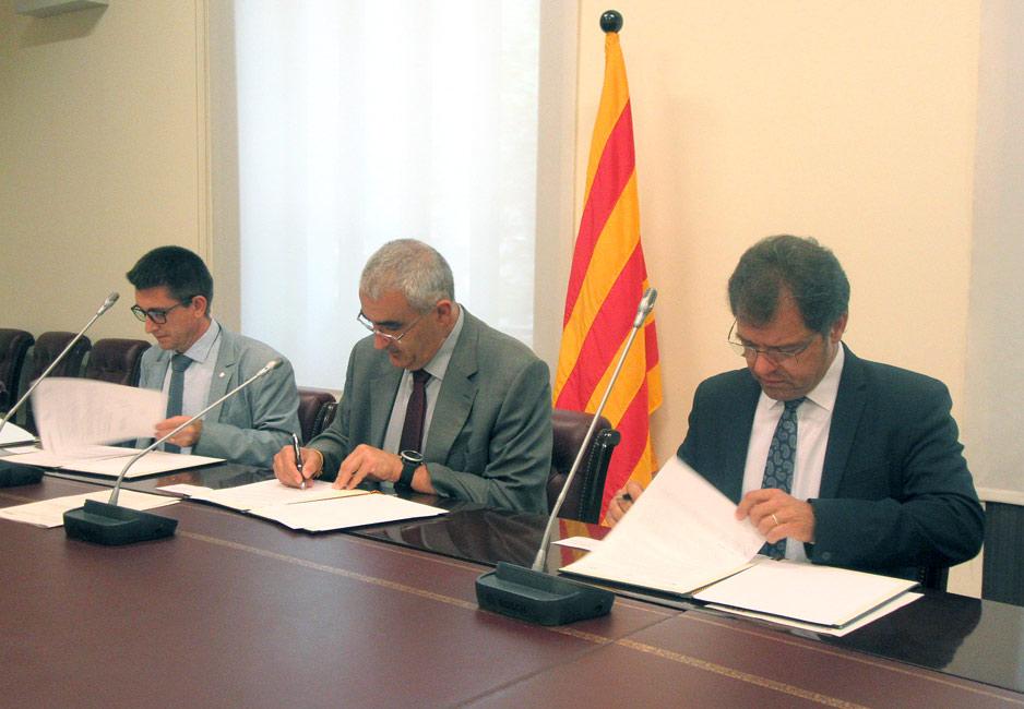 Firma del nuevo protocolo de emergencias de la industria química de Anoia.