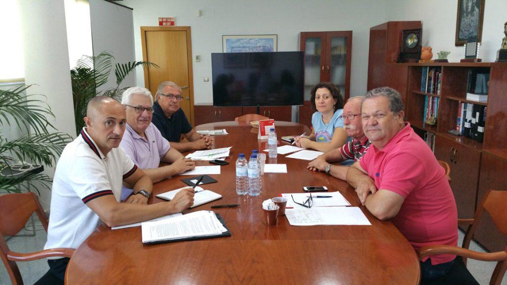 Representantes de AEC (Izq.) y de CC.OO (dcha.) en la reunión.