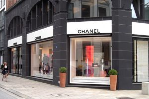 Chanel compra Colomer Leather Group