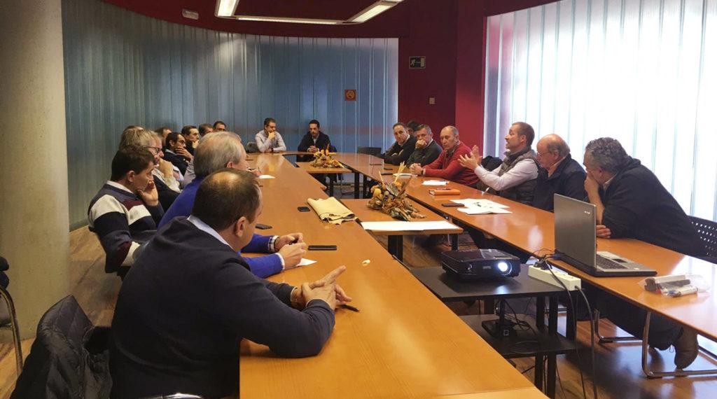 Reunión de las asociaciones Acexpiel y  Anafric.