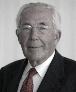 Silvino Navarro.