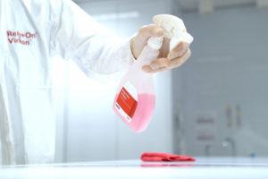 Lanxess dona un millón de litros de solución desinfectante